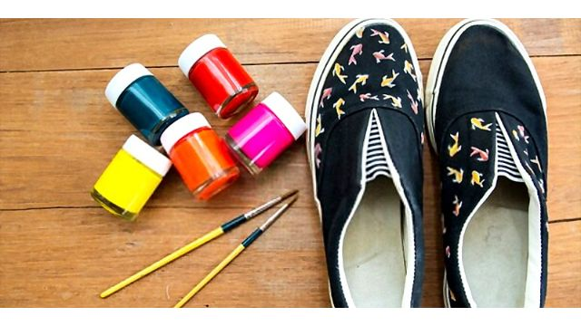 procedure for painting canvas shoes